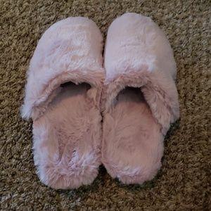 Vionic Plush Slippers